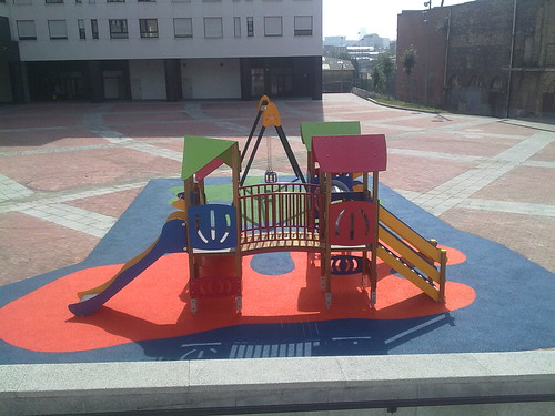 Columpios Parque Intantil. Plaza Burtzeña III.Barakaldo