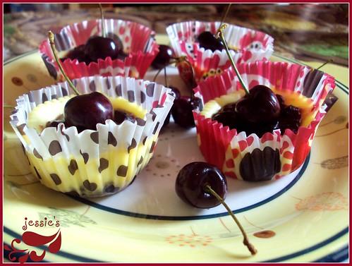 Cheesecake monoporzione alle ciliegie