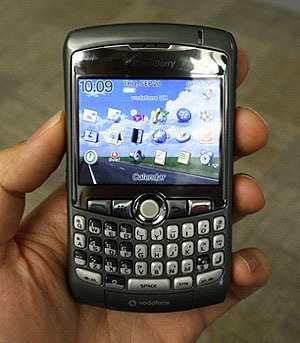 Blackberry8310_300x343.shkl.jpg