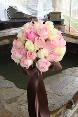 Aqua Dulce Wedding 1_24_09 138 (alexislrobbins) Tags: pink wedding roses brown white green modern outdoor ceremony tent polka pale bouquets aguadulce centerpices