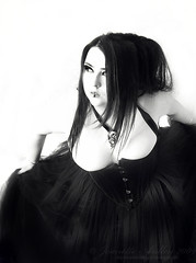 Take a Curtsey (Sombre Dreams Photography) Tags: gothic goth jeanette ardley dagwanoenyent gothicculture