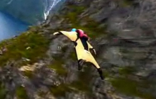 Flying with wing suits