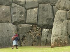 ANS181DSCN4453 (David Ducoin) Tags: portrait inca cusco femme mur indien perou quechua amrique indienne amrindien sacsayhuman indigne amrindienne sacqsayhuman