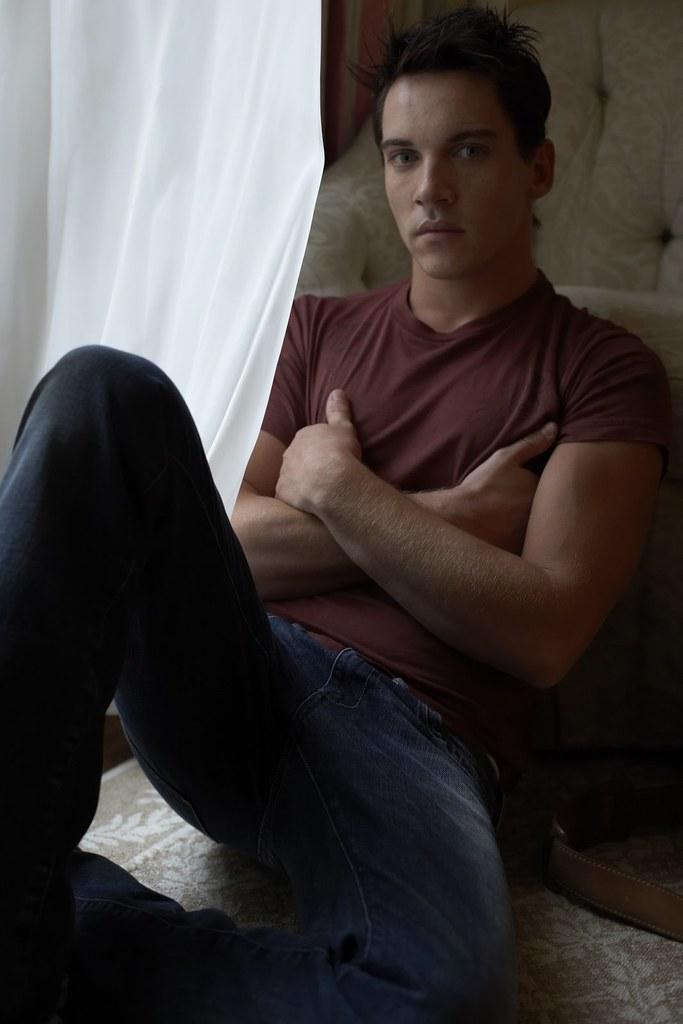 u_Jonathan Rhys Meyers