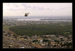 helicoptere puma au dessus d'abidjan (Alexis.D) Tags: helicopter puma cotedivoire abidjan gendarme helicoptere gendarmerie exercice alat ivorycost forcelicorne