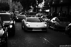 Lamborghini Gallardo (Jeroenolthof.nl) Tags: street red italy white black hot slr london car silver square grey lights italian jeroen nikon closed walk rear wheels d70s super ferrari harrods knightsbridge spyder 45 exotic ii harriet londres kensington rims lamborghini sant londra luxury coupe supercar vr agata gallardo exotics f430 gtb bolognese londen combo roadster murcielago sloane f35 599 belgravia fiorano 1685 olthof lp640 wwwjeroenolthofnl jeroenolthofnl jeroenolthof