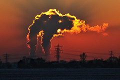 Power Generation Darkens the Sun (christian.senger) Tags: sunset red sun backlight digital germany geotagged outdoors nikon energy europe power nuclear electricity powerplant hockenheim atomic vapor kkp d300 kernkraftwerk akw philippsburg nikoncapturenx2 christian_senger:year=2009 osm:way=23555270