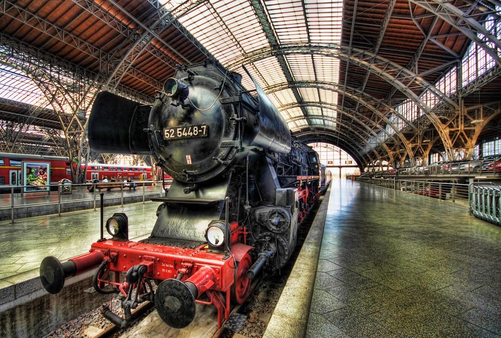 Steam Train 52 5448-7 (by Stuck in Customs)