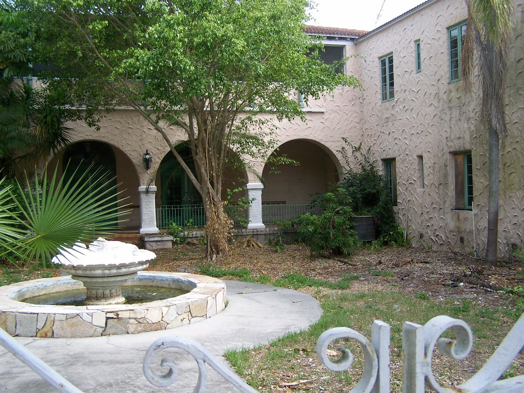 Hacienda Hotel- New Port Richey FL