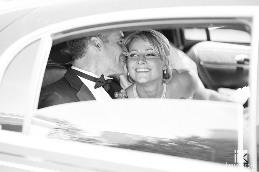 Limo ride in Menlo Park to reception, Teresa K photography, Northern California wedding photographer