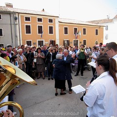 100 anni !? ballando in piaza... (pierovis'ciada) Tags: birthday banda celebration years 100 piazza festa compleanno istria brindisi anni buie istra antonietta istrien istriana istre istriani brtonigla verteneglio istroveneti giuressi