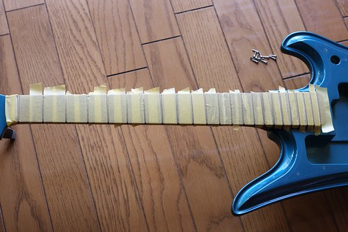 Masking fingerboard