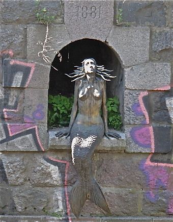 Mermaid near Uzupe Cafe