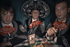 Tres Compadres: Drinkin' Tequila