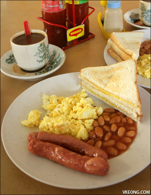 scrambled-egg-breakfast-set