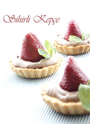 Çikolatalı-Çilekli-Tart1