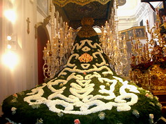 P31800831 Manto de Flores de la Virgen de las Penas (ASpepeguti) Tags: espaa andaluca spain andalucia andalusia mlaga alandalus olympusstylus1000 semanasanta2008 martessanto2008 aspepeguti