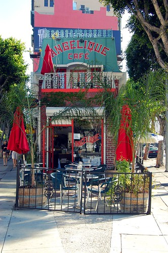 angelique cafe 004