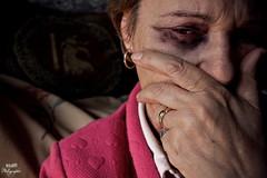La mujer maltratada (keiza09) Tags: tristeza mujer soledad miedo pensativa asustada sufriendo maltratadora