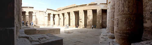 P1040193_Luxor_Ramses3FuneraryTemple_MedinatHabu_panorama