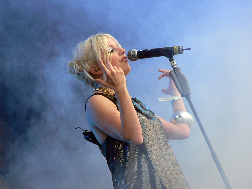 Little Boots - In The Mist - Evolution Festival 2009
