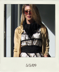 my-style-plaid-dress-tom-ford-sunglasses_5-5