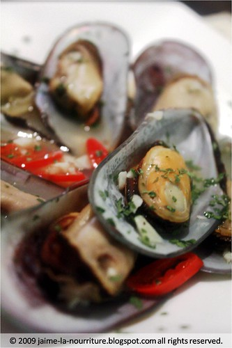 Blue Basil - sauteed mussels