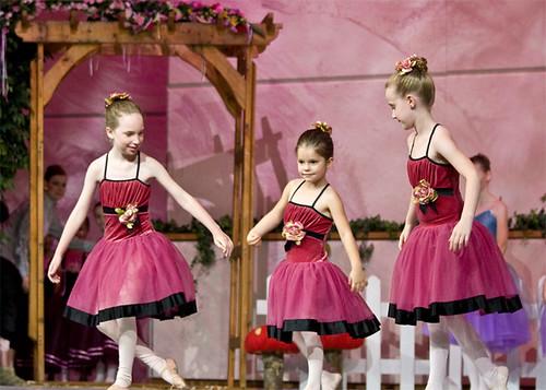 3_ballet_girls_1a