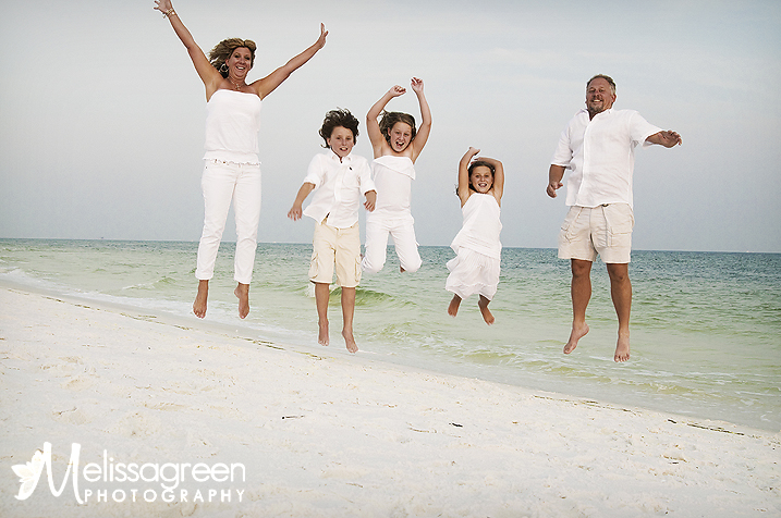 Hawaii Beach Family Portrait Ideas http://www.melissagreen-photography.com/blog/2009/06/21/destin-family-beach-photographer-sunset-session/
