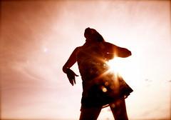 [フリー画像素材] 人物, 女性, シルエット, 人物 - 見上げる, レンズフレア ID:201110101200