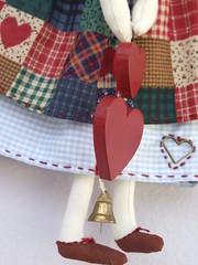 DETALHE DO AMOR ...  DETAIL OF LOVE (AP.CAVALARI / ANA PAULA) Tags: dolls angels patchwork anjos asas tecido bonecasdepano bonecadetecido anjinhas anapaulacavalari apcavalari fabricdolss