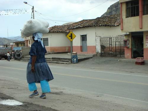 Burden in El Juncal, Ecuador.