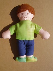 Verde (**Taller Muy Freak**) Tags: girls boys colors children toys doll nios colores kindergarten ragdolls trapo muecos fabrics telas clothdolls
