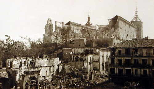 Alcázar de Toledo en Plena Guerra Civil (II). Foto Rodríguez