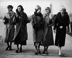 dia frio (brutapesquisa) Tags: people vintage walking outdoors women friendship fulllength retro few females adults stylish oldfashioned youngadults midadult 20sadult 2530years 3035years 30sadult youngadultwoman 2025years 1930sstyle
