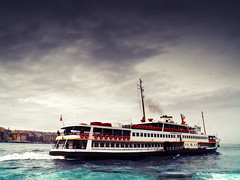 And the ship sails on (Sator Arepo) Tags: leica sea storm ferry turkey river boat opera sailing ship smoke istanbul sail singers boarding bosphorus fellini liner digilux goldenhorn elanaveva 1450mm digilux3 retofez100420