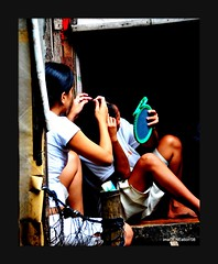 FOLKLIFE (imaGENEation) Tags: poverty folklife urbanpoor tondo