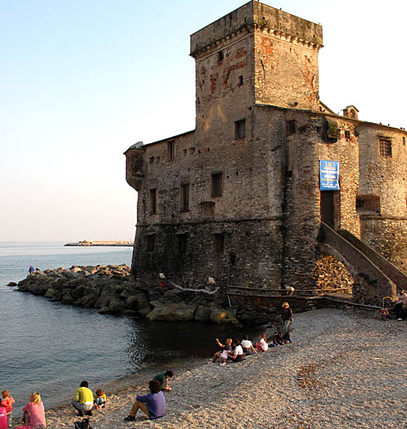 castle-rapallo-beach-2-3052