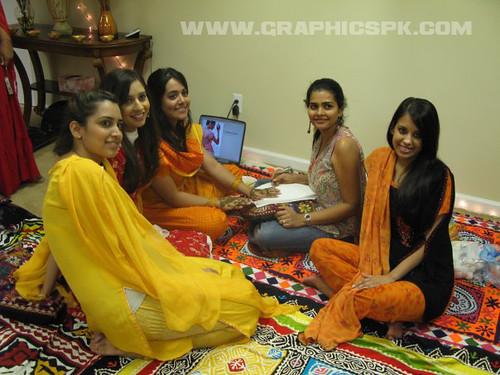pakistani-girls-group Grapicspk