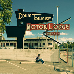 162/365 June 11, 2009 (laurenlemon) Tags: portrait me girl sign square interestingness parkinglot motel sit 365 reno vacancy motorlodge downtowner 365days explored june09 canoneos5dmarkii laurenrandolph laurenlemon ilovetakingmy365swhileimoutworking