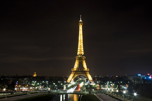 Torre Eiffel. Vista nocturna. Eiffel Tower. Night view.