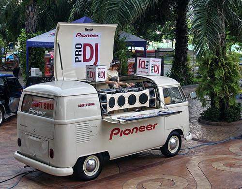 Pro DJ Pioneer