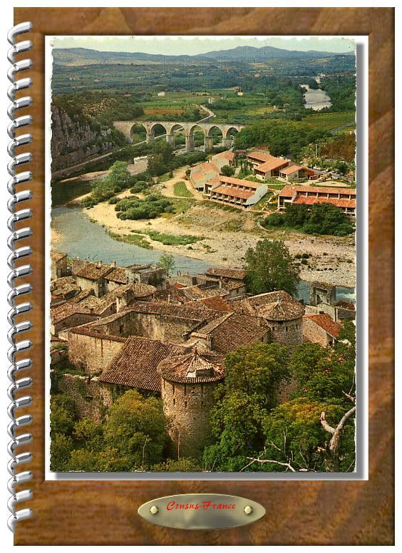VOGUÉ  Le Château, la Maison Familiale et le Viaduc