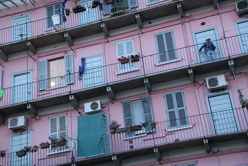 Vaaleanpunainen_talo