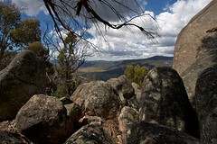 Boulders to valley (Geoff Main) Tags: landscape nationalpark australia act canonefs1022mmf3545usm naturesfinest canon30d orroralvalley namadginationalpark honeysucklecreek