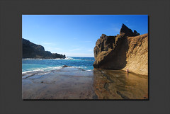 Playas de Lava (2).- (ancama_99(toni)) Tags: ocean trip travel blue light sea vacation sky espaa naturaleza holiday seascape color beach nature water azul clouds marina photoshop landscape geotagged photography mar photo interestingness interesting spain agua nikon espanha europa europe waves seascapes photos lanzarote playa canarias photographic atlantic bleu explore cielo canary 1855mm blau nikkor paysage espagne paesaggi olas canaryislands 2009 islas aigua atlntico paisagens oceano islascanarias marinas atlantico azules ocano d60 azl 10faves nikkor1855 25faves holidaysvacanzeurlaub ancama99 colourartaward interesantsimo goldstaraward flickrlovers