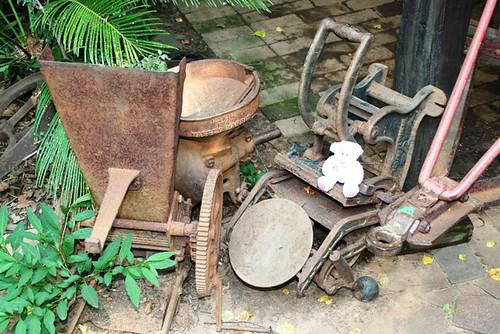 http://farm4.static.flickr.com/3414/3210097768_f3bfa005c7.jpg?v=0