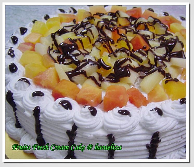 Fruits-Fresh-Cream-Cake
