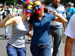 Venezuelan Joy (ervega) Tags: girls students face march movement no venezuela painted flag crowd cara joy protest caracas protesta bandera alegria multitud mujeres pintada marcha amendment estudiantes studentmovement movimientoestudiantil enmienda movimientoestudiantilvenezolano venezuelanstudentmovement
