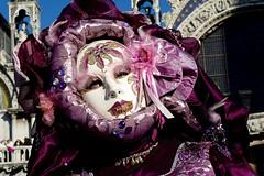 maschera gotica rosa sulla basilica di san marco (Nicola Zuliani) Tags: venice basilica rosa carnevale venezia sanmarco maschere nizu nicolazuliani wwwnizuit